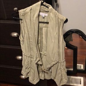 Light army Green vest Kenneth Cole